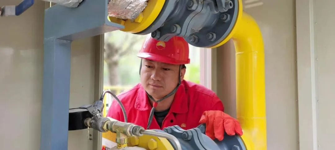 """中国石油2人获""""能源楷模""""称号!是谁?"""