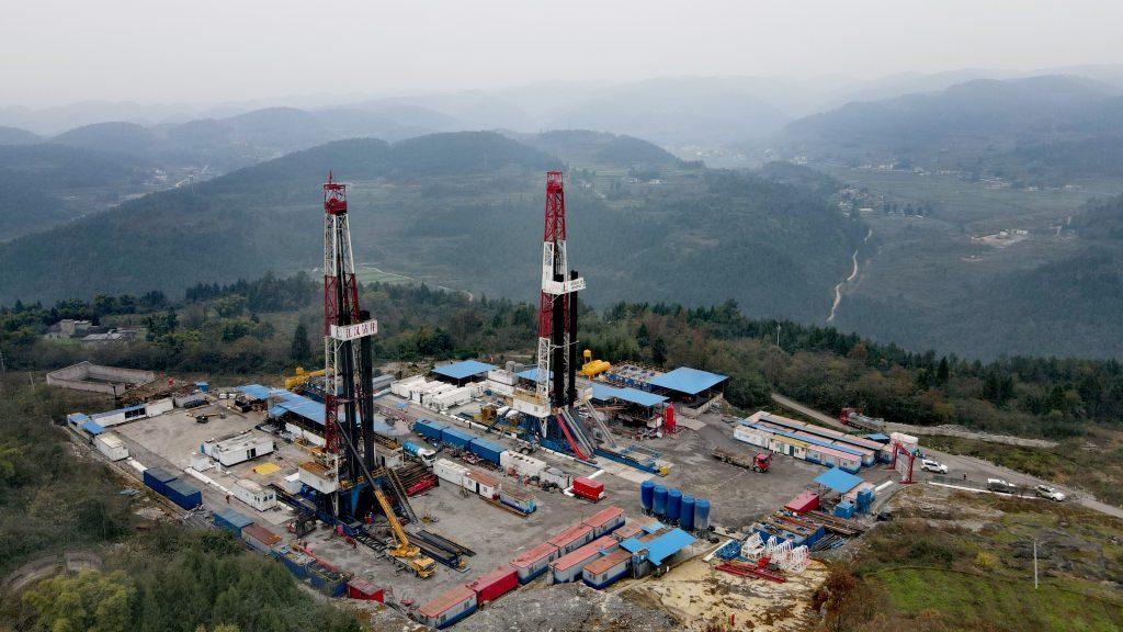 中国石化第一季度预计盈利160-180亿!