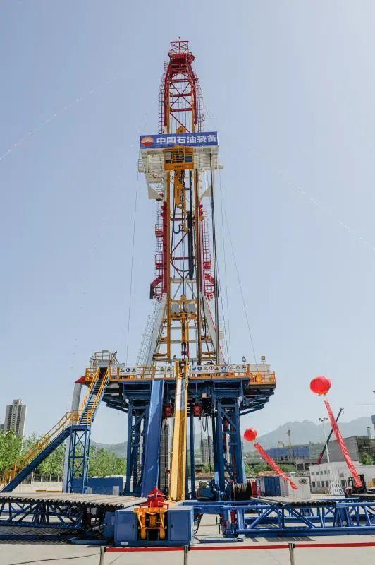 """国内首台!中石油""""一键式""""人机交互7000米自动化钻机研制成功"""