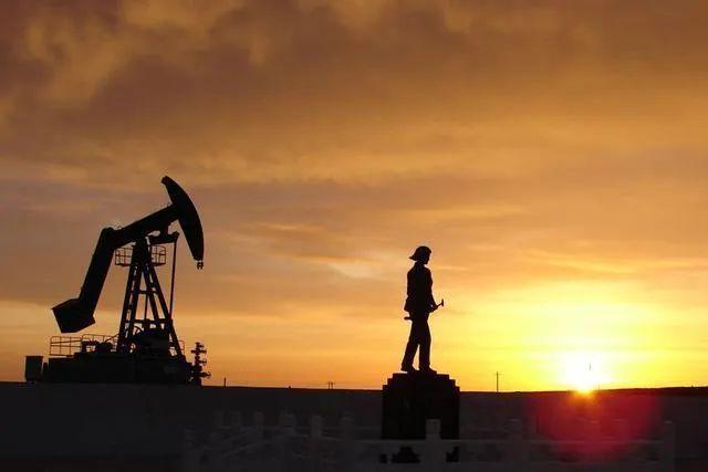 《我为祖国献石油》#三桶油联合出品!
